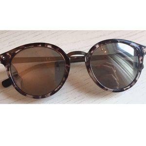 Guess Black Tortoise Sunglasses